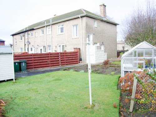 Light and spacious 3 bedroom first floor flat located in a quiet residential area. Within easy walking distance of the town centre, Perth College, schools and Asda. Comprising living room, kitchen, 3 bedrooms and bathroom. Gas heating, garden and