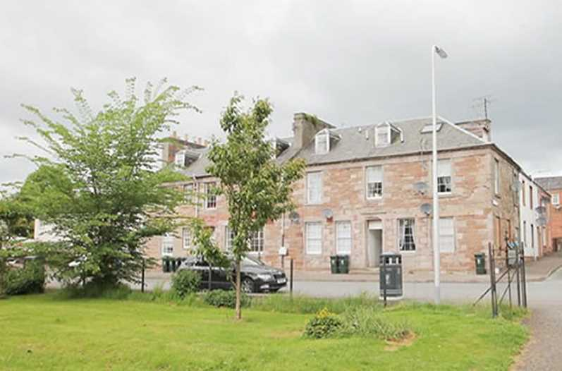 Ground floor unfurnished flat located in popular village Stanley. Comprising living room, kitchen, bedroom and bathroom. Electric heating. Stanley is also well known for its Stanley Mills visitor attraction and River Tay salmon fishing.