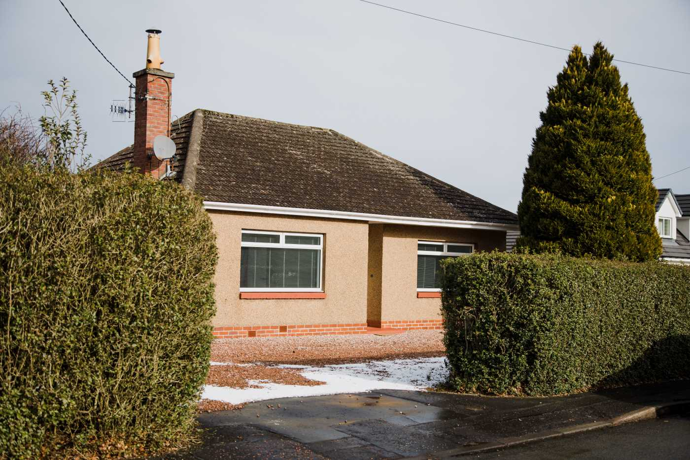A unique opportunity to purchase this stunning two bedroom bungalow in the much sought after location of Scone.
