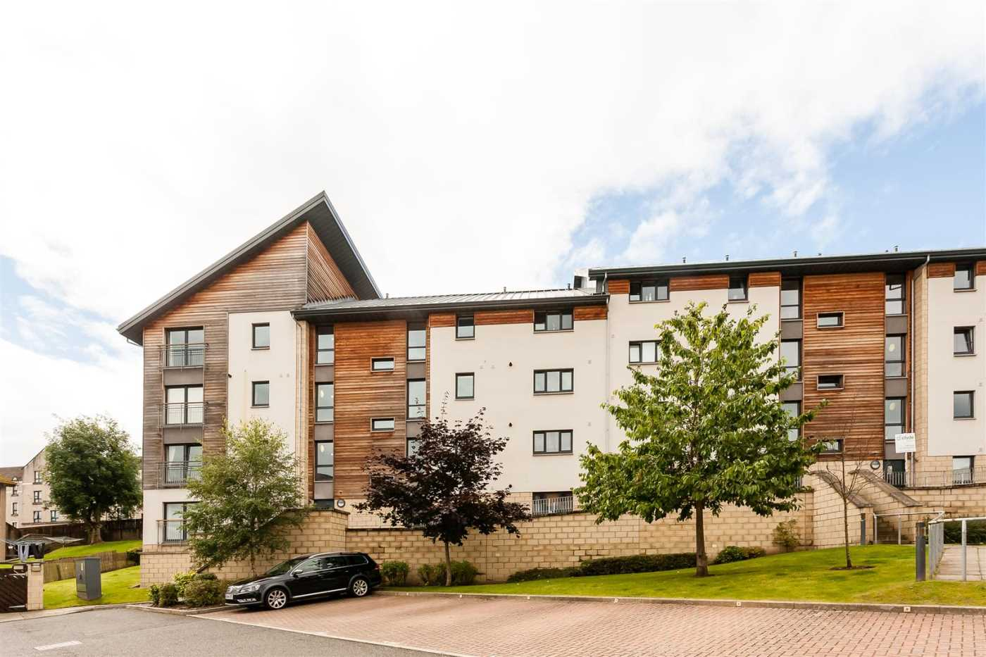 This beautiful two bedroom ground floor flat is within a modern development of similar properties and offers a spacious level of accommodation comprising: a bright lounge, kitchen, two double bedrooms with master bedroom with ensuite and a modern bathroom