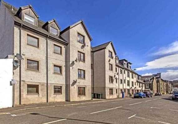 Beautiful first floor two bedroom apartment situated in an attractive modern development in Perth city centre.  This is a spacious apartment and offers good accommodation which comprises of hall, lounge, kitchen, two double bedrooms, and bathroom.