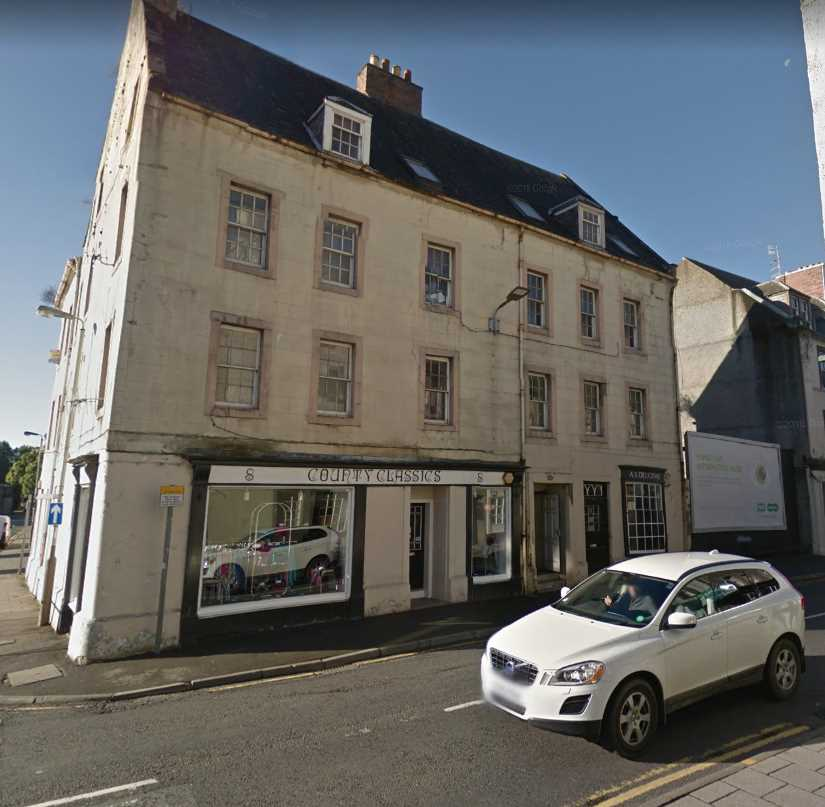 Nice bright second floor flat located in the city centre  Accomodation comprises, Living room, kitchen,  good sized double bedroom and bathroom with over bath shower. Electric heating.  146748/340/06270........